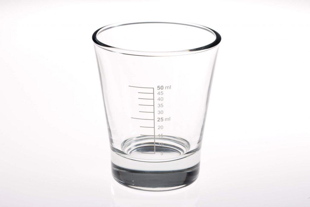 Shotglas mit Eichmarke